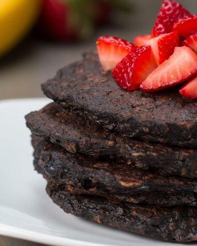 Asa faci cele mai sanatoase clatite - Incearca reteta cu ciocolata neagra!