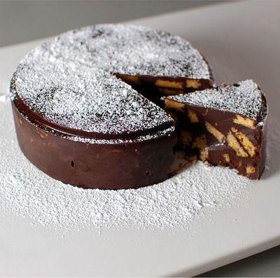 Tort rapid de ciocolata cu biscuiti, FARA COACERE!