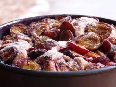 Prajitura de toamna cu prune si alune de padure!