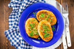 Sunt delicioase si se pregatesc foarte repede! Parjoale de cartofi umplute cu ciuperci