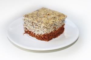 "Prajitura ""Macarena"" cu mac si smantana - perfecta pentru masa de Revelion"