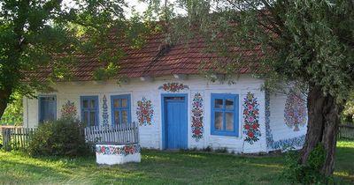 Te invitam in satul polonez care a inflorit! Sigur iti vei dori sa mergi in vacanta acolo!