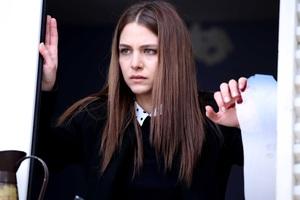 """Bahar: Viata furata"", un nou fenomen se naste in Romania"