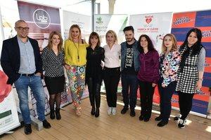 Dana Savuica si Chef Sandu Carpen au gatit pentru femeile inteligente!