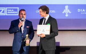Haluk Kurcer, presedintele Kanal D, premiat de Dr. Oz