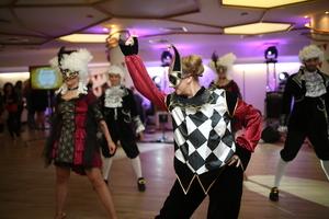 22.500 de euro stransi la petrecerea caritabila HOSPICE Carnival