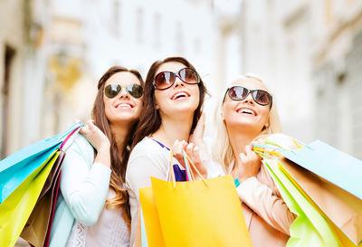Tu stiai ca poti scapa de stres cu sesiuni saptamanale de shopping?