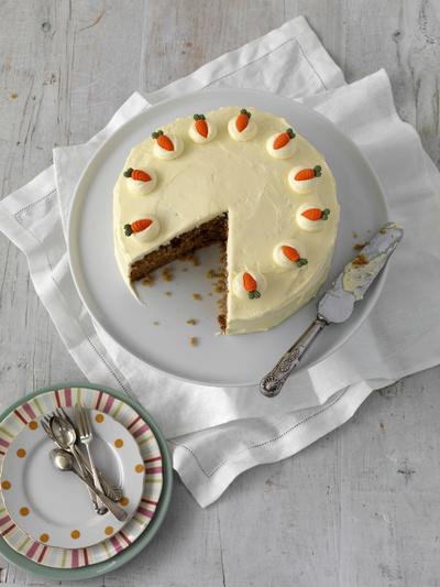 Fa-ti un tort raw de morcovi pentru noaptea de Revelion! Este simplu si delicios!