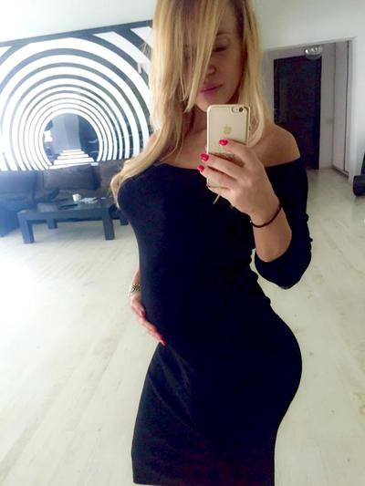 Anda Adam, primul selfie cu burtica de gravida