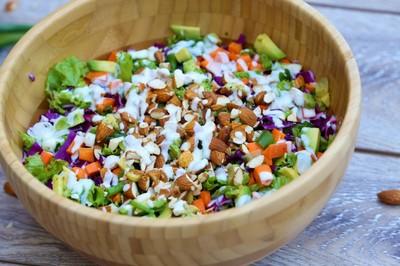 Reteta de salata detox crunchy! Invata sa o prepari!