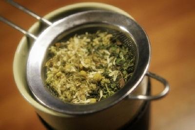 Top 3 cele mai bune ceaiuri de slabit! Incearca-le si tu