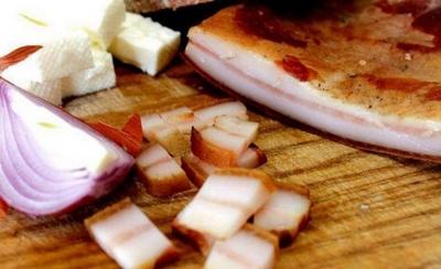 Un nutritionist celebru demonteaza mitul despre slanina cu ceapa! In anumite conditii, combinatia este chiar una foarte sanatoasa