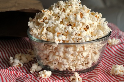 Cum sa slabesti mancand popcorn? Adauga asta si rezultatele te vor ferici