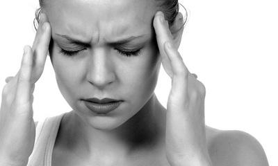 Trateaza migrenele si durerile de cap cu ulei de sunatoare