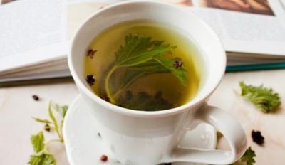Bea acest ceai de urzici si topesti grasimea! Slabeste 3 kilograme in 4 zile