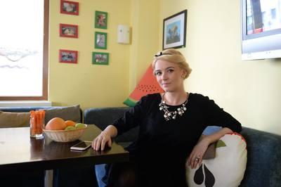 "Interviu Video Exclusiv! Diana Dumitrescu: ""Ca sa ma impace, iubitul meu ma pupa pana ma sufoca"" – Actrita isi doreste sa devina mamica"