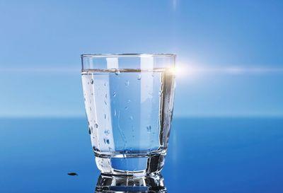 Ce ti se intampla in corp daca bei un pahar de apa in plus! Sigur nu stiai asta!