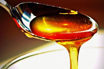Cum sa iti schimbi viata cu doua lingurite de miere!
