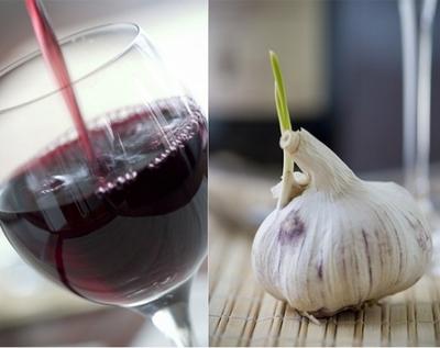 Cum se prepara vinul de usturoi, un adevarat elixir