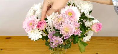 VIDEO! Cum sa faci cel mai frumos aranjament floral!