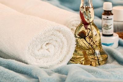 Masaj erotic: Esentele secrete ale specialistilor in aromaterapie
