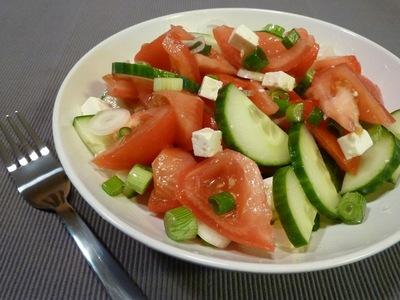 De ce sa nu mai pui niciodata rosii si castraveti in aceeasi salata! Putini stiu asta