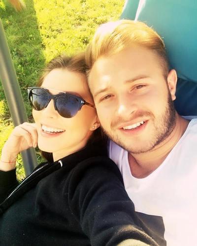 "Ilinca Vandici s-a maritat in secret de Paste! Vedeta de la ""Bravo, ai stil!"" a devenit  ""doamna Neacsu"""