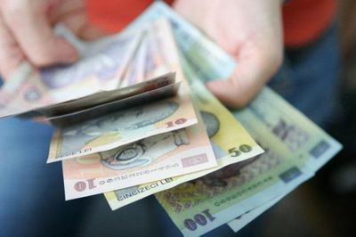 De ce sunt banii alunecosi? Toate bancnotele romanesti sunt unse cu asta - te vei spala pe maini de zece ori dupa ce vei afla cu ce