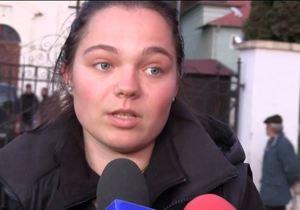 Prima declaratie a alpinistei Coco Crina Popescu, dupa moartea surorii ei in avalanasa din Retezat! Sicriul alb cu trupul fetei a fost depus la o capela din Rasnov