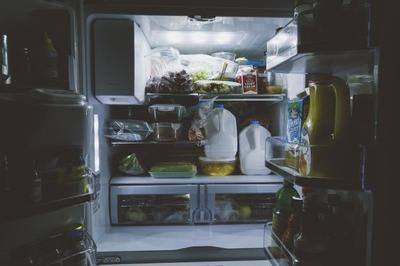 Vrei sa slabesti? Arunca aceste alimente din casa!