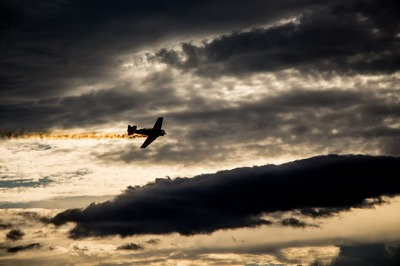 Dezvaluire SOCANTA despre Bucuresti: avioane imprastie otrava in aer! Cine arunca bomba!