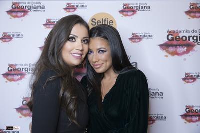 """Roxana Vancea a pus """"biciul"""" pe Ana Maria Barnoschi si Miss Romania, Ioana Filimon! Prima e la cura de ingrasare, iar cea de-a doua in proces de tonifiere si toate trei se fac frumoase la acelasi make-up artist: Georgiana Codinca!"""