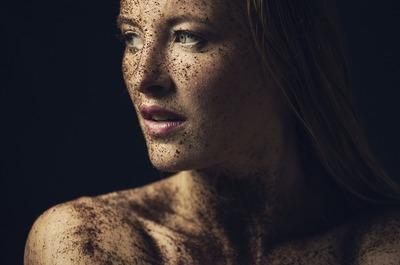 Ce simptome ale cancerului apar numai la femei