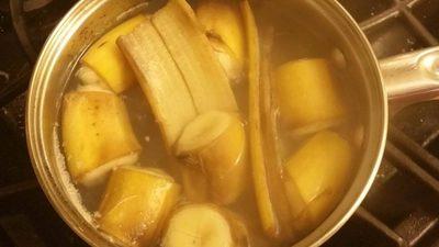 Ceai pentru un somn linistit. Se prepara din banana si scortisoara
