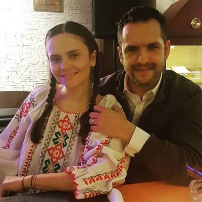 """Cristina Siscanu si fetita ei, imbracate in ii! Sotia lui Madalin Ionescu are, insa, un mare regret: """"Imi pare rau ca nu am stat mai mult cu ea"""""""
