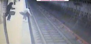 Momentul cumplit in care Magdalena Serban isi impinge victima in fata metroului