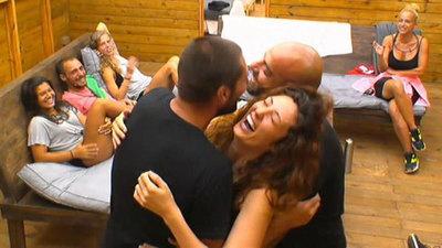 Confruntare intre iubita lui Catalin Cazacu si Claudia Pavel. Ce si-au spus cele doua