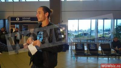 Flo s-a intors de la Exatlon! Tanarul a fost intampinat la aeroport de iubita care i-a sarit in brate