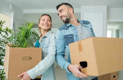 Ce faci în cazul în care colegul de apartament te anunţă că se mută?