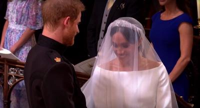 Ce i-a spus Printul Harry frumoasei Meghan Markle, cand a aparut in rochie de mireasa la altar?