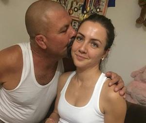 Superb! Primul lucru pe care il va face Faimoasa Larisa dupa ce a ajuns in Romania! Are legatura cu tatal ei