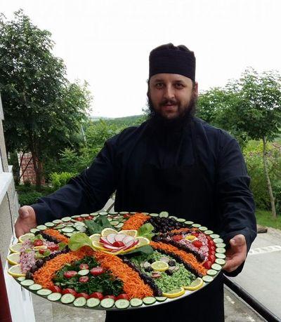 Dieta calugarilor de pe Muntele Athos face minuni! Cum slabesti sanatos