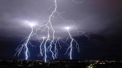 PROGNOZA METEO: Vreme schimbatoare de Rusalii, cu temperaturi ridicate si furtuni violente