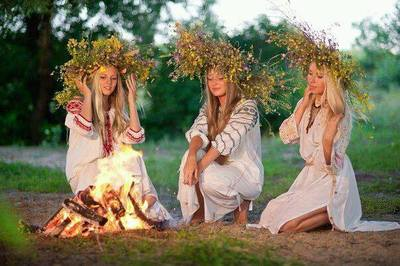 Traditii si superstitii de Sanziene (Dragaica)! Ce trebuie sa faci sa iti visezi ursitul