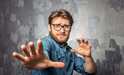 Top 4 zodii de barbati care se sperie de INSURATOARE