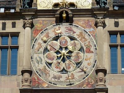 Horoscop lunar august 2017 Oana Hanganu. O luna complicata pentru zodii