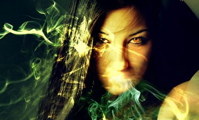 ATENTIE sa nu le superi! 5 zodii care obisnuiesc sa blesteme