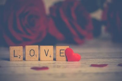 HOROSCOP IUNIE: Cum stai cu dragostea, in functie de zodie! Viata unei zodii va fi data peste cap