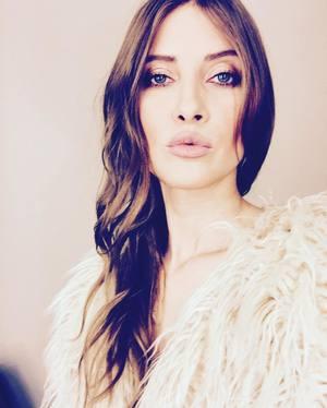 VIDEO EXCLUSIV | Iulia Albu - WOW sau BAU-BAU: Cum sa porti corect gentile pretioase!