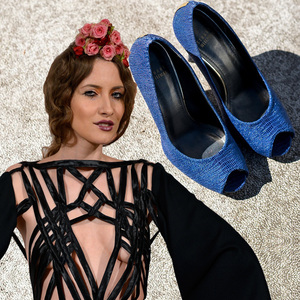 VIDEO EXCLUSIV | Iulia Albu - WOW sau BAU-BAU: Cum sa porti pantofii albastri